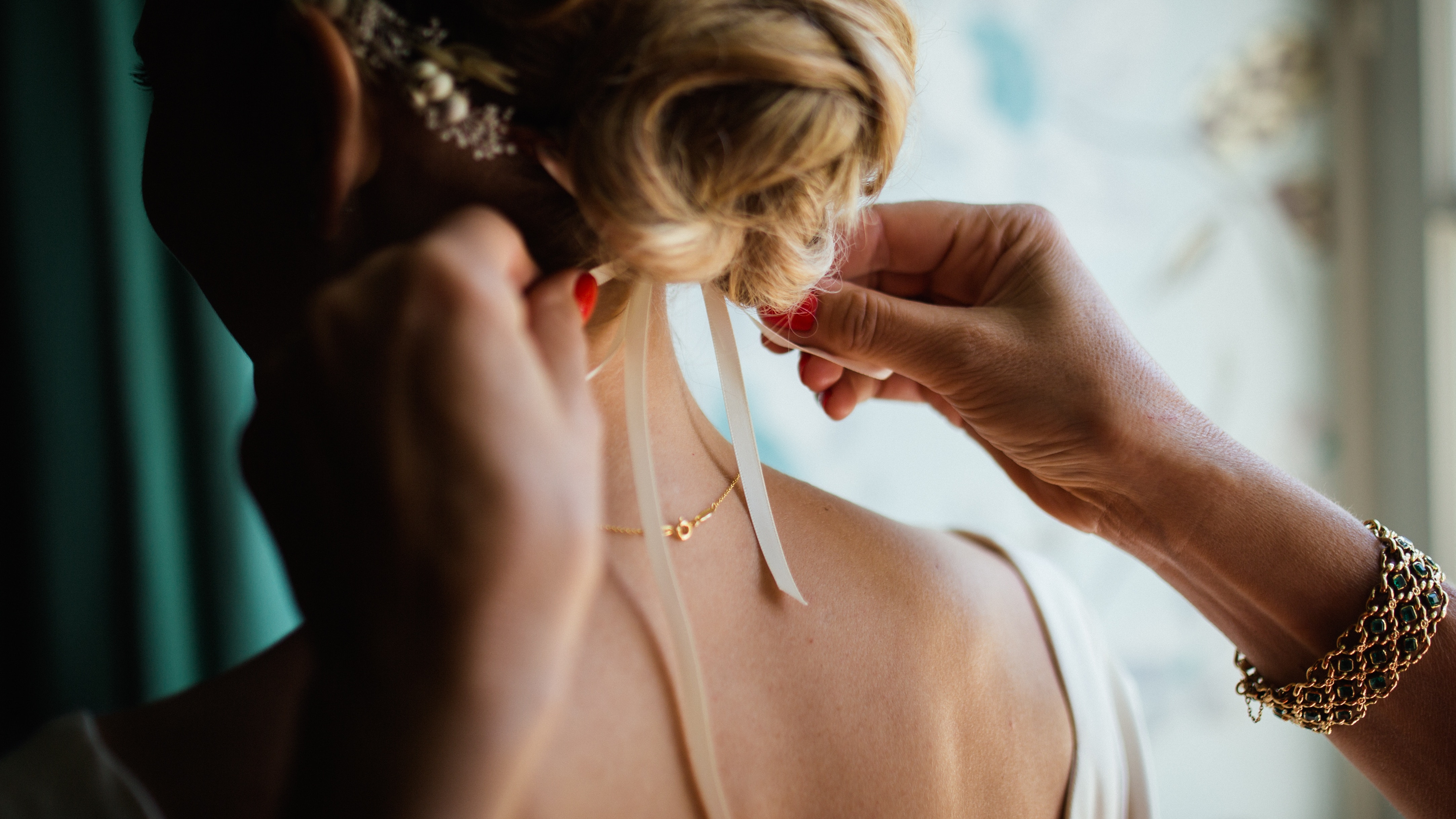 How to prepare for your wedding hair trial
